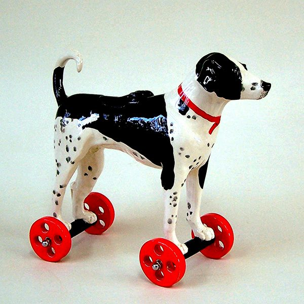 commission sculpture black and white dog