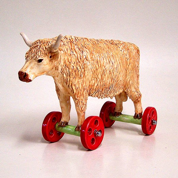 commission sculpture highland cow